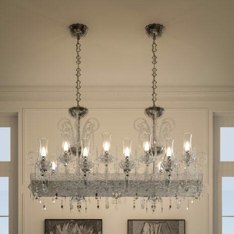 LAMPADARIO dalle ampie braccia in vetro di Murano soffiato a mano, paralume in tessuto e illumnazione a LED: Intrecci 1315/