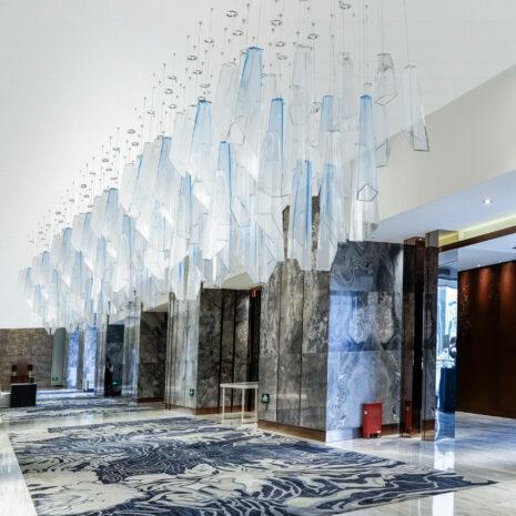 SOSPENSIONE con diffusore in vetro soffiato di Murano fatto a mano disponbile in quattro colori sfumati: Crypto 291