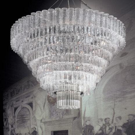 LAMPADARIO in vetro di Murano soffiato con finitura a corteccia, disponbile in quattro colori, montatura in cromo lucido o oro 24 carati: Glace 4121/