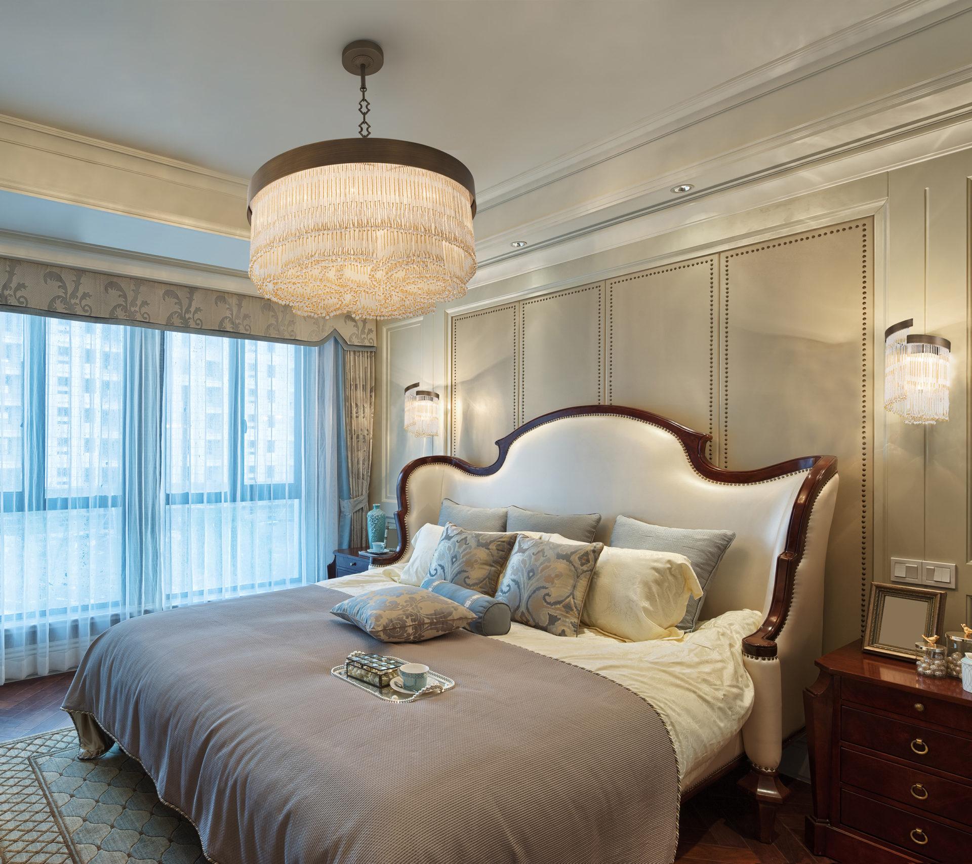Consigli per un'illuminazione originale della camera da letto