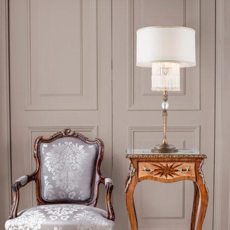 LAMPADA DA TAVOLO con frangia lavorata a mano fatta di perline in vetro di Murano trasparenti e/o ambra, montatura in bronzo, tortora o grigio: Venezia 4820/LG