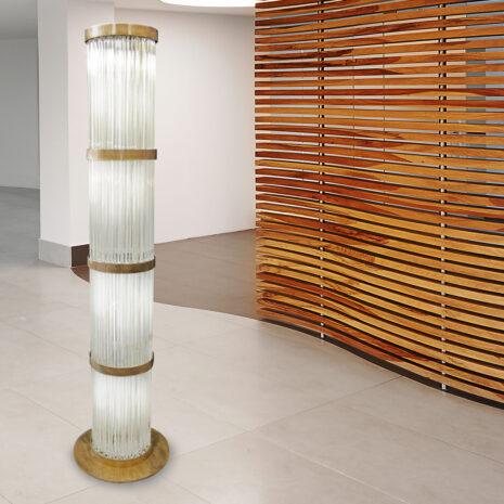 LAMPADA DA TERRA con triedri in cristallo o triedri e quadriedri in vetro di Murano, disponbili in molti colori, montatura in cromo lucido o oro 24 carati: Cristalli 5002/LT