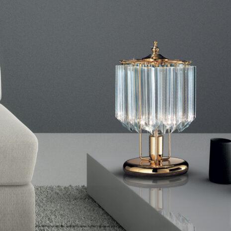 LAMPADA DA TAVOLO con triedri in cristallo o triedri e quadriedri in vetro di Murano, disponbili in molti colori, montatura in cromo lucido o oro 24 carati: Cristalli 5005/L