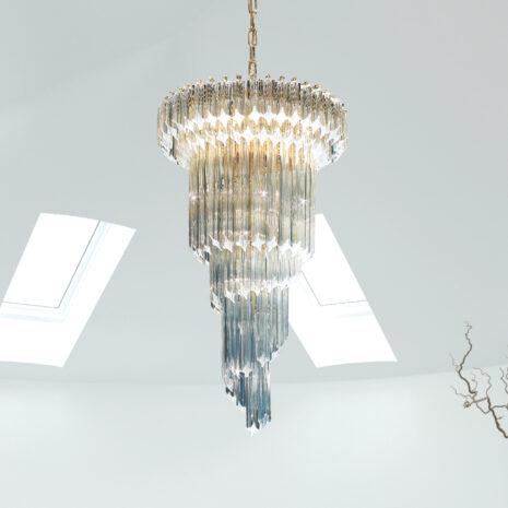 LAMPADARIO con triedri in cristallo o triedri e quadriedri in vetro di Murano, disponbili in molti colori, montatura in cromo lucido o oro 24 carati: Cristalli 5020/50