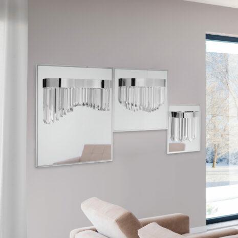 APPLIQUE con triedri in cristallo trasparente, montatura in cromo lucido tortora, specchio in acciaio inox: Riflessi 7400/APP1