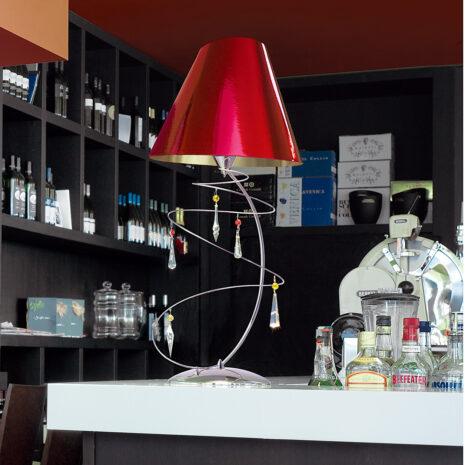 Lampada da tavolo dal design moderno con pendagli in Swarovski Elements e paralumi accoppiati in diverse finiture: Vertigo 460-LG