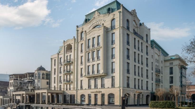 L'hotel Ambassadori di Tbilisi