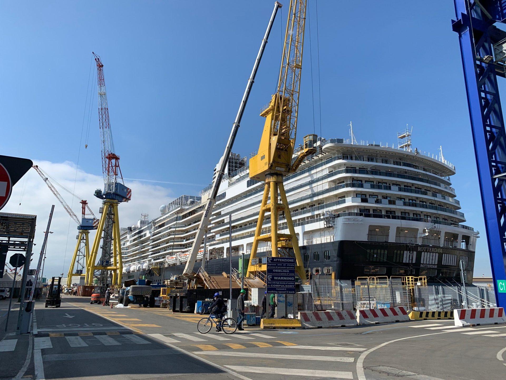 La nave Rotterdam in costruzione presso Fincatieri
